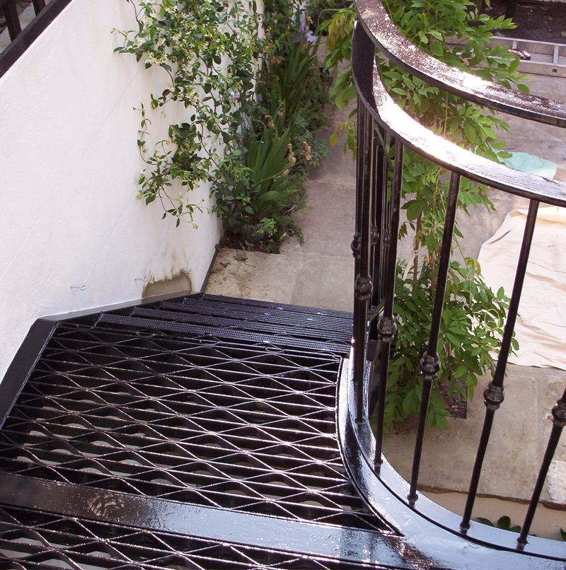 Metal Straight Staircase